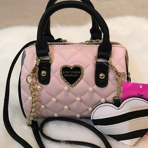 Pretty🎀NWT Betsey Johnson pearl accent crossbody