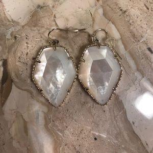 Kendra Scott Corley earrings in ivory pearl
