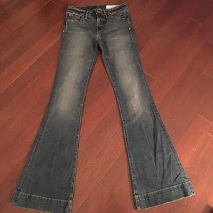 Super flattering wide bottom jeans!