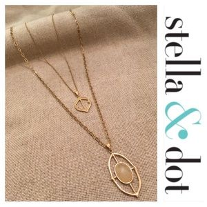 Stella & Dot Fortuna Stone Pendant Necklace Gold