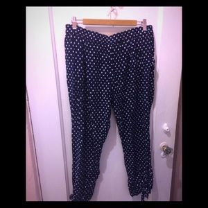 Anthropologie Navy and White patterned capris Sz L