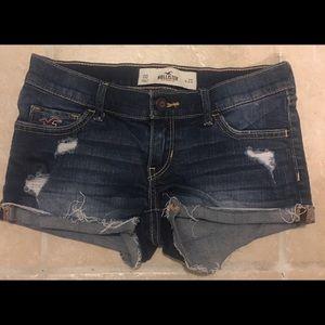 Size 00 Hollister Dark Wash Denim Short Shorts