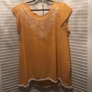 Tops - Cute yellow top