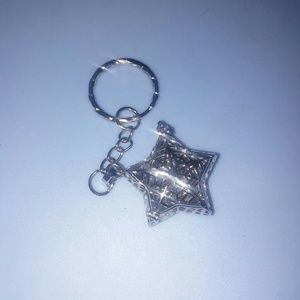 Silver Star Keychain, opens to put something in it