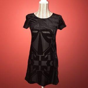 H&M Black Geo Print Short Sleeve Shift Dress