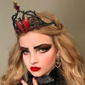 Other - Queen of broken hearts crown