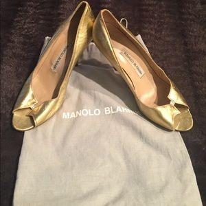 Authentic Manolo Blahnik Gold/Silver Pumps SZ39