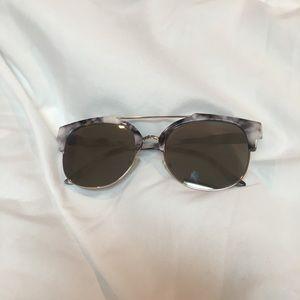 NWOT Marble Mirrored Sunglasses