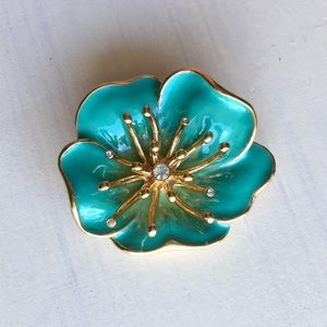 Jewelry - Gorgeous Floral Brooch Pin Gold Mint Rhinestones