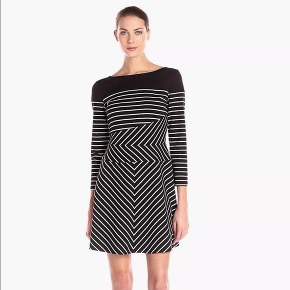 BCBG Dresses & Skirts - BCBG Koryn Dress