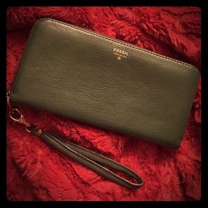 🍂Adorable Genuine Leather Fossil Wristlet Wallet