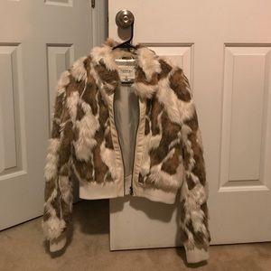 Faux fur half jacket