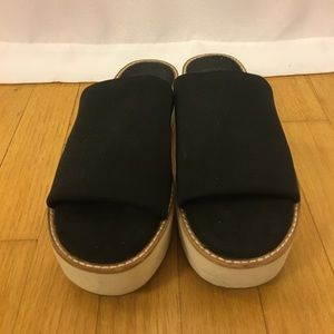 Vince Camuto sandals 6.5