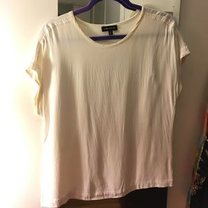 Off-white shirt sleeve blouse