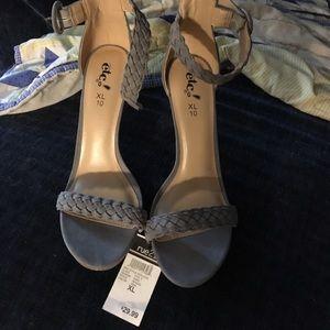 Shoes XL 10