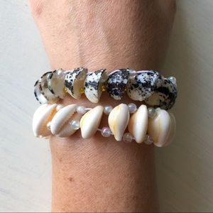 Jewelry - 2 Seashell Glass Beaded Woven Stretch Bracelets