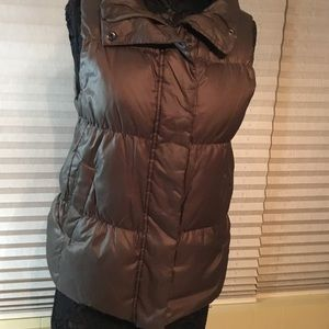 fbf86a263 GAP Women's Bronze Down Puffer Vest Size Large