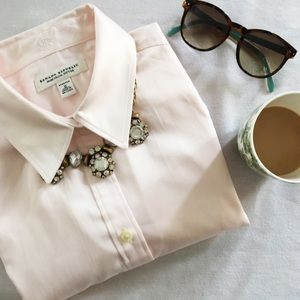 Banana Republic | Light Pink ButtonUp Dress Shirt