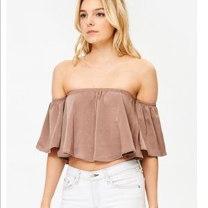 GORGEOUS Ruffled off shoulder crop top
