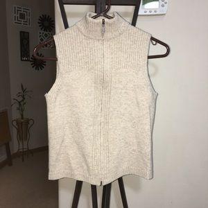 Mint condition vintage Pendleton tan vest