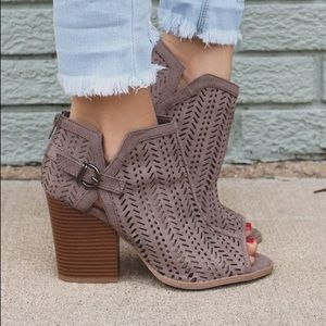Shoes - Taupe Monterrey booties