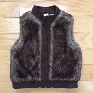 Gymboree Hide n Seek Size 4 Brown Faux Vest