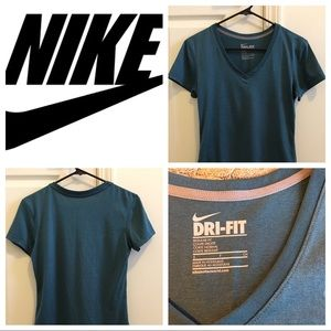 Nike T-shirt in teal color