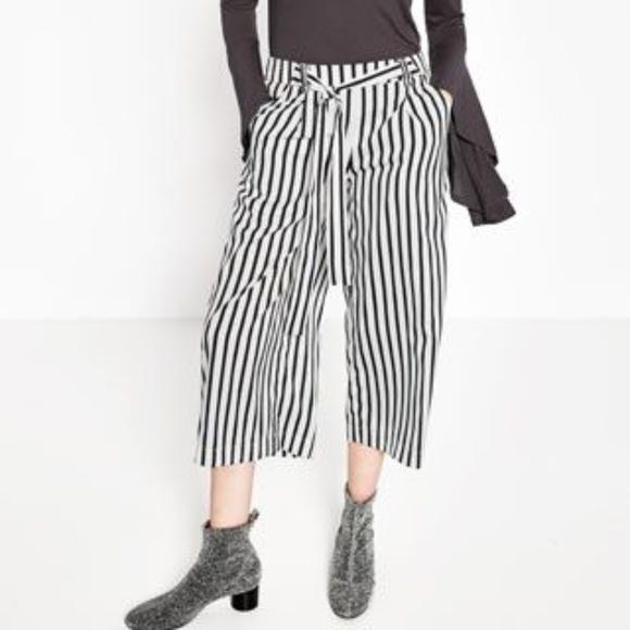 78b22d4e Zara black white striped flowing crop trousers XS. Zara.  M_59eac3299c6fcf2ff1027102. M_59eac30c4225be4f240271c8.  M_59eac30cf739bc6ae9026829