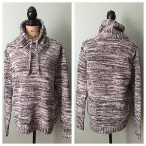 H&M size medium black gray white warm sweater!