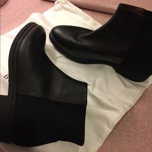 BCBG maxazria ankle boots