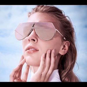 Fendi Eyeline Rose gold Sunglasses.