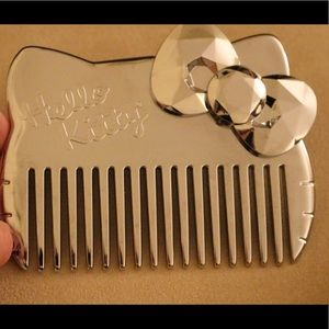 Hello Kitty wide tooth comb.