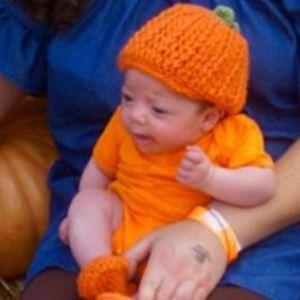 Other - Baby Crochet Pumpkin Hat & Booties Set!