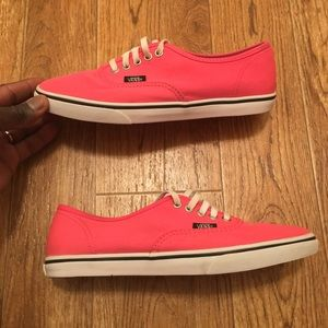 [Vans] Round Toe Women's Pink Shoes (gently used)