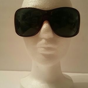 Reduced!Firm! Very Sexy pair of Versace sunglasses