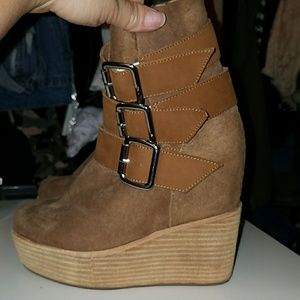 Jeffrey campbell booties size 6