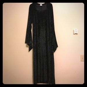 Black costume robe with double slit front. S/M.