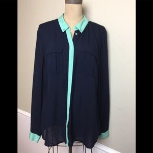 Anthropologie contrast trim button front shirt