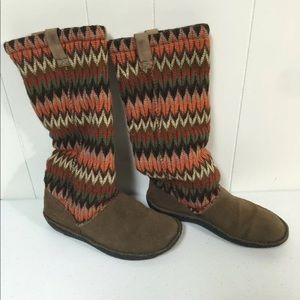 Keen knit pull on sweater tall boots size 7
