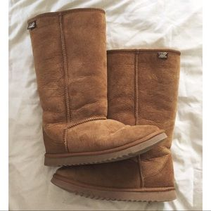 Shoes - Imitation Uggs