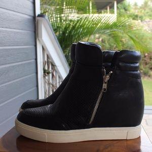 Wedge sneaker | Street style