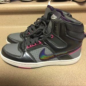 EUC Nike Delta Lite Women's Sneakers Shoes Size 8