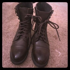 Steve Madden Brown Combat Boots. Like New. 7.5