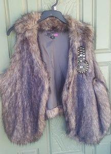 Imitation fur vest