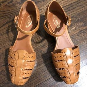 TOD'S perforated leather close-toed sandal