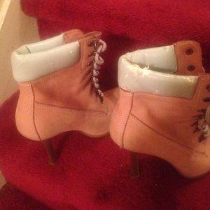 Steve Madden stilettol lace up ankle boot