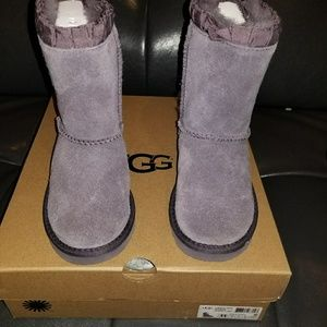 Ugg boots t
