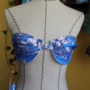 MinkPink aquabomb cupped bikini top, size M, NWT!