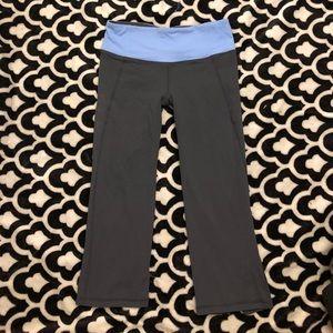 LULULEMON Cropped Capri Yoga Leggings Size 6