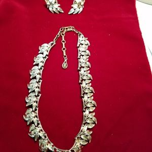 VINTAGE Coro necklace and clip earrings set